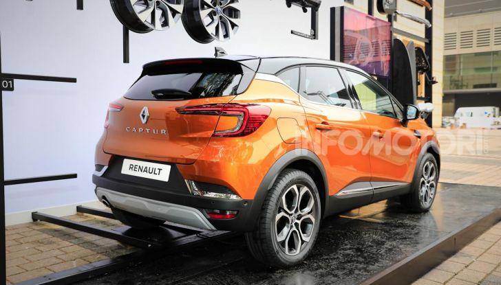Nuova Renault Captur 2019: SUV d'alto design con variante Plug-In Hybrid - Foto 3 di 47