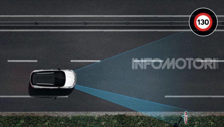 Nuova Renault Captur 2019: SUV d'alto design con variante Plug-In Hybrid - Foto 25 di 47