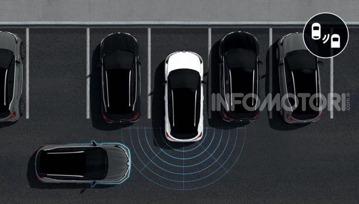 Nuova Renault Captur 2019: SUV d'alto design con variante Plug-In Hybrid - Foto 21 di 39