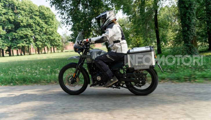 """Prova Royal Enfield Himalayan, il gusto dell'andare in moto """"facile"""" - Foto 3 di 50"""