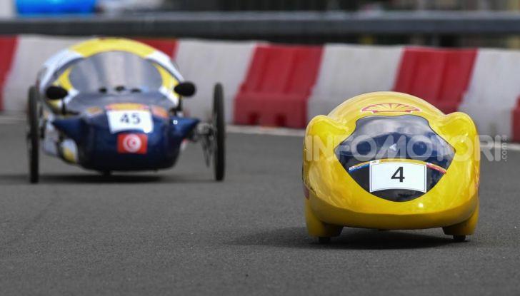 Gara all'auto che consuma meno: il record è di quasi 3.000Km con un litro di benzina - Foto 2 di 31
