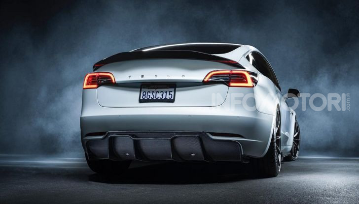Tesla Model 3 by Vorsteiner: modifiche estetiche a profusione - Foto 7 di 8