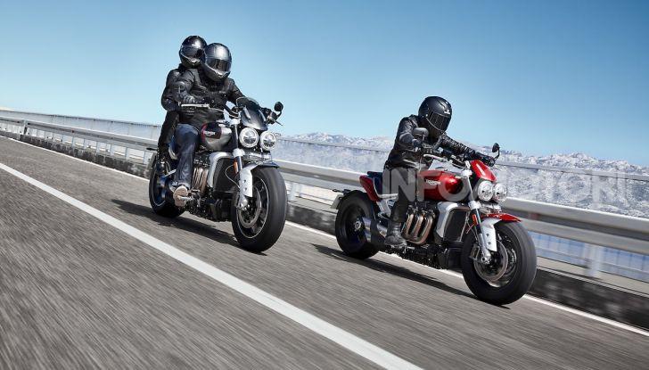 Triumph presenta Rocket 3 R e Rocket 3 GT: due versioni con numeri da record - Foto 10 di 21