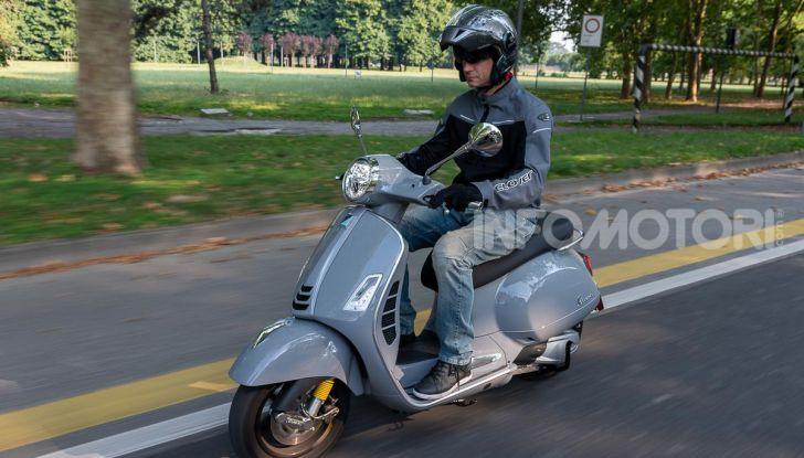 Prova Vespa GTS 300 hpe SuperTech, mai guidata una Vespa così! - Foto 42 di 49