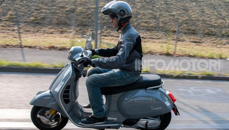 Prova Vespa GTS 300 hpe SuperTech, mai guidata una Vespa così! - Foto 45 di 49