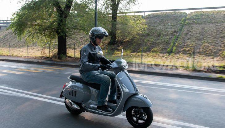 Prova Vespa GTS 300 hpe SuperTech, mai guidata una Vespa così! - Foto 47 di 49