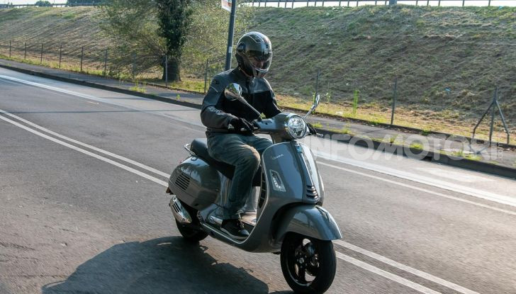 Prova Vespa GTS 300 hpe SuperTech, mai guidata una Vespa così! - Foto 48 di 49