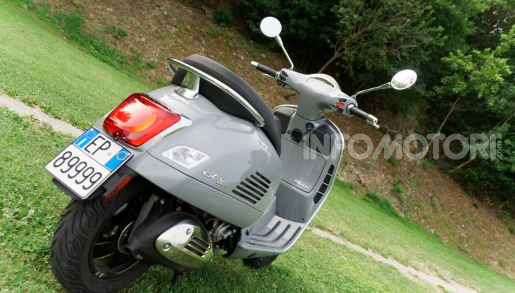 Prova Vespa GTS 300 hpe SuperTech, mai guidata una Vespa così! - Foto 21 di 49