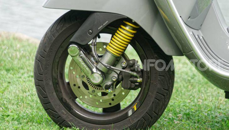 Prova Vespa GTS 300 hpe SuperTech, mai guidata una Vespa così! - Foto 26 di 49