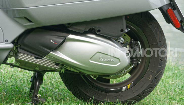 Prova Vespa GTS 300 hpe SuperTech, mai guidata una Vespa così! - Foto 27 di 49