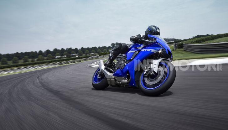 Nuove Yamaha YZF-R1 2020 e R1M 2020: ancora più MotoGP! - Foto 1 di 39