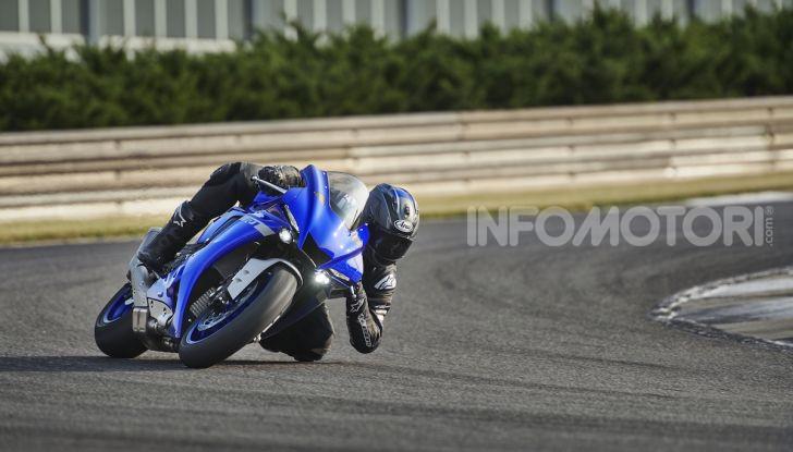 Nuove Yamaha YZF-R1 2020 e R1M 2020: ancora più MotoGP! - Foto 2 di 39