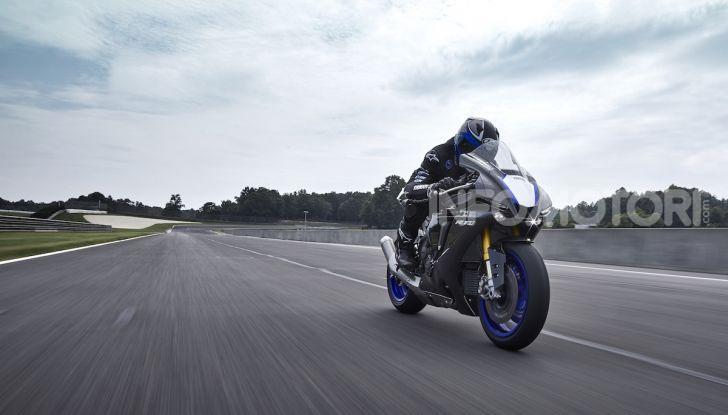 Nuove Yamaha YZF-R1 2020 e R1M 2020: ancora più MotoGP! - Foto 21 di 39
