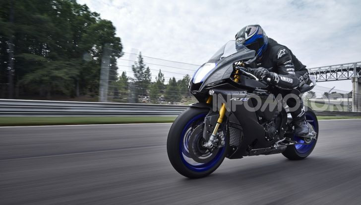 Nuove Yamaha YZF-R1 2020 e R1M 2020: ancora più MotoGP! - Foto 22 di 39