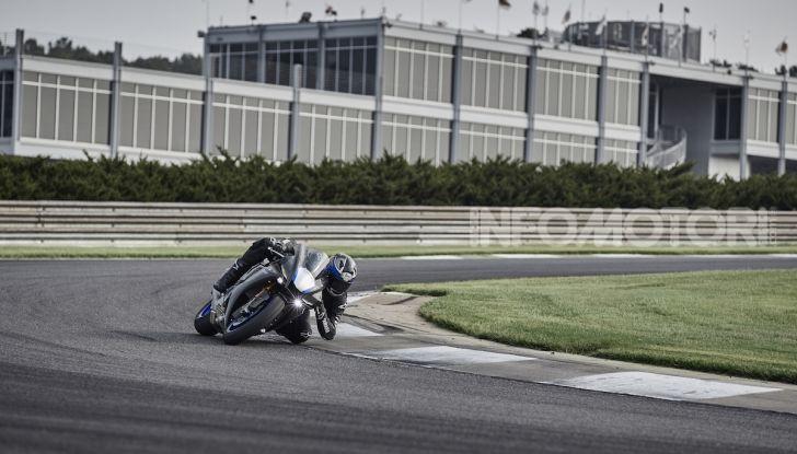 Nuove Yamaha YZF-R1 2020 e R1M 2020: ancora più MotoGP! - Foto 23 di 39