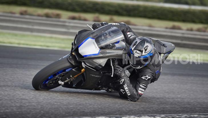 Nuove Yamaha YZF-R1 2020 e R1M 2020: ancora più MotoGP! - Foto 24 di 39