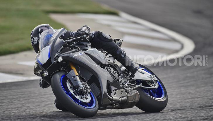 Nuove Yamaha YZF-R1 2020 e R1M 2020: ancora più MotoGP! - Foto 25 di 39