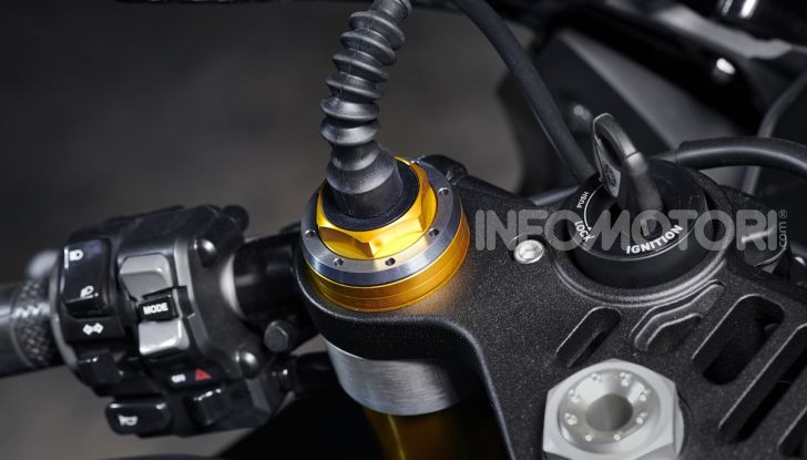 Nuove Yamaha YZF-R1 2020 e R1M 2020: ancora più MotoGP! - Foto 26 di 39