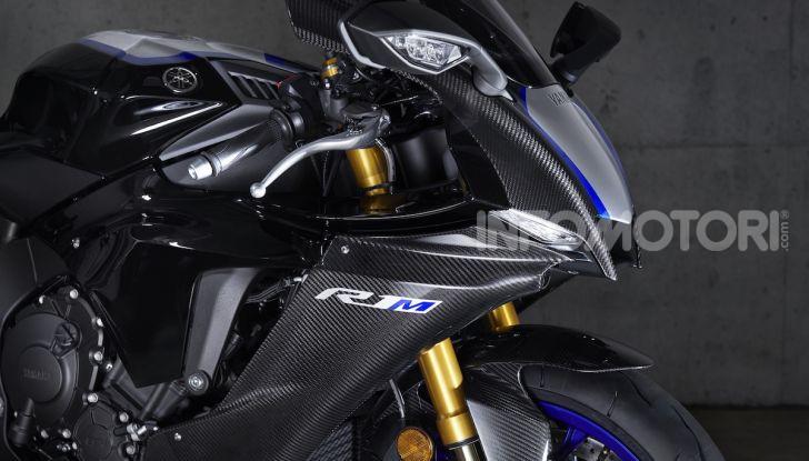 Nuove Yamaha YZF-R1 2020 e R1M 2020: ancora più MotoGP! - Foto 28 di 39