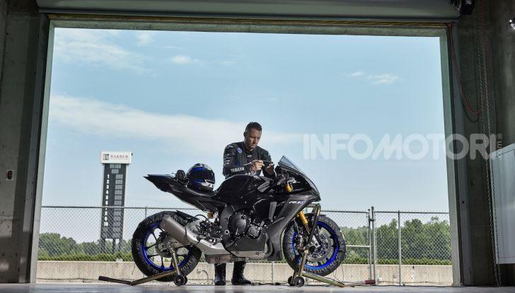 Nuove Yamaha YZF-R1 2020 e R1M 2020: ancora più MotoGP! - Foto 37 di 39