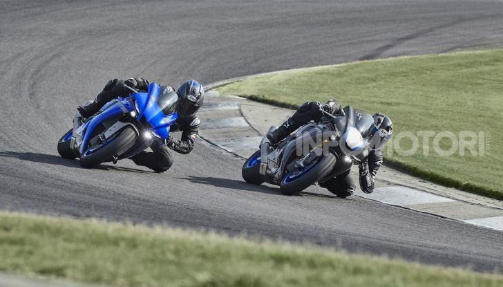 Nuove Yamaha YZF-R1 2020 e R1M 2020: ancora più MotoGP! - Foto 4 di 39