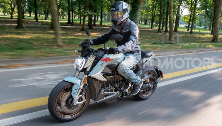 Prova Zero Motorcycles SR/F, l'elettrica di nuova generazione - Foto 2 di 58