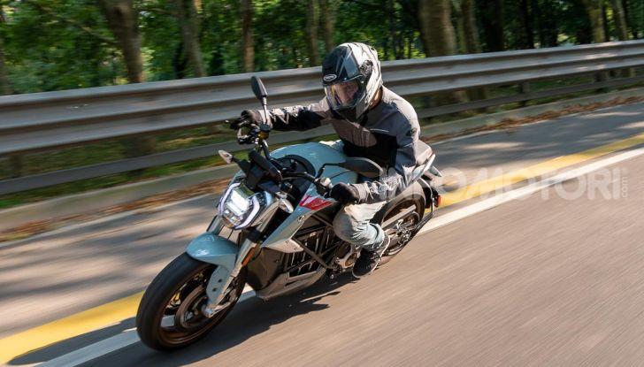 Prova Zero Motorcycles SR/F, l'elettrica di nuova generazione è di un altro pianeta! - Foto 3 di 58
