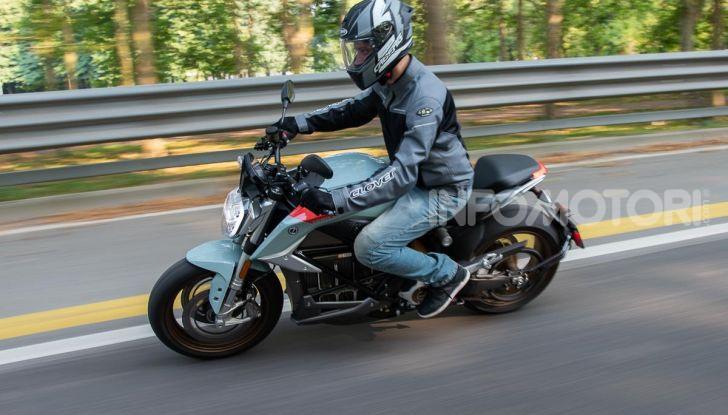 Prova Zero Motorcycles SR/F, l'elettrica di nuova generazione - Foto 4 di 58