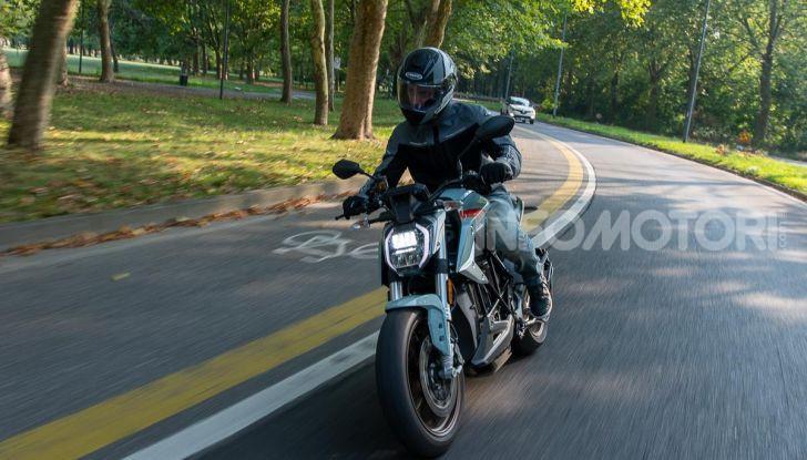 Prova Zero Motorcycles SR/F, l'elettrica di nuova generazione è di un altro pianeta! - Foto 1 di 58
