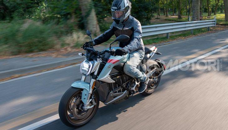 Prova Zero Motorcycles SR/F, l'elettrica di nuova generazione - Foto 5 di 58