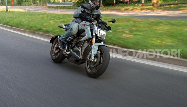 Prova Zero Motorcycles SR/F, l'elettrica di nuova generazione - Foto 6 di 58