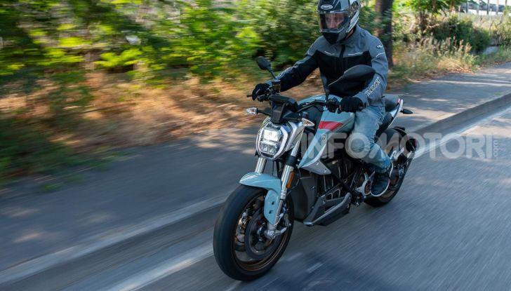 Prova Zero Motorcycles SR/F, l'elettrica di nuova generazione - Foto 8 di 58