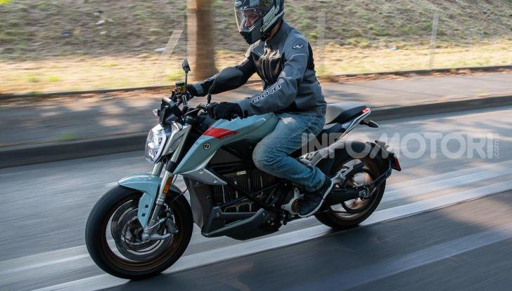 Prova Zero Motorcycles SR/F, l'elettrica di nuova generazione - Foto 9 di 58
