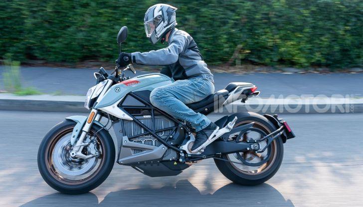 Prova Zero Motorcycles SR/F, l'elettrica di nuova generazione è di un altro pianeta! - Foto 10 di 58