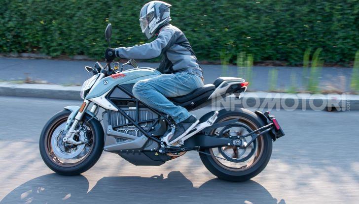 Prova Zero Motorcycles SR/F, l'elettrica di nuova generazione - Foto 11 di 58