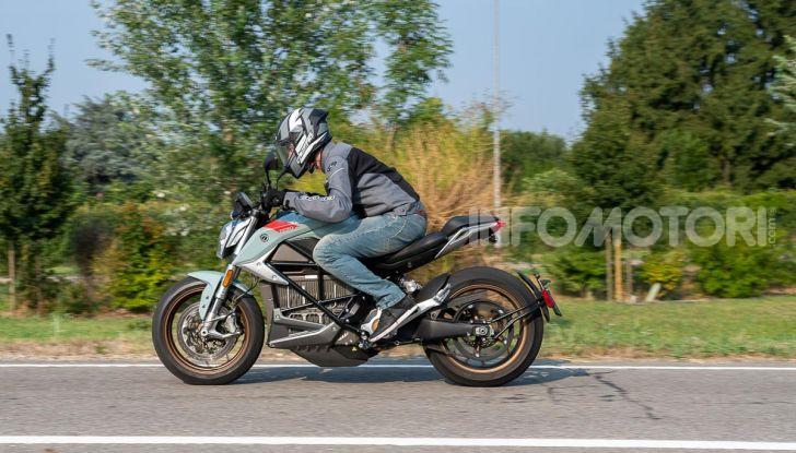 Prova Zero Motorcycles SR/F, l'elettrica di nuova generazione - Foto 18 di 58