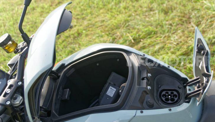 Prova Zero Motorcycles SR/F, l'elettrica di nuova generazione è di un altro pianeta! - Foto 20 di 58