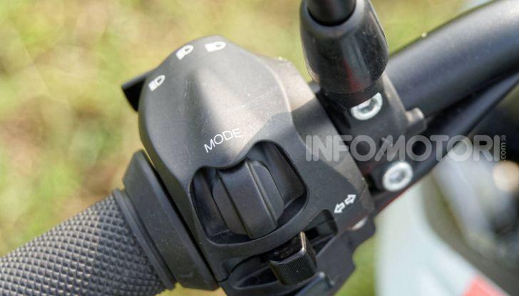 Prova Zero Motorcycles SR/F, l'elettrica di nuova generazione - Foto 22 di 58