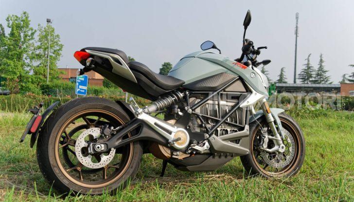 Prova Zero Motorcycles SR/F, l'elettrica di nuova generazione - Foto 41 di 58