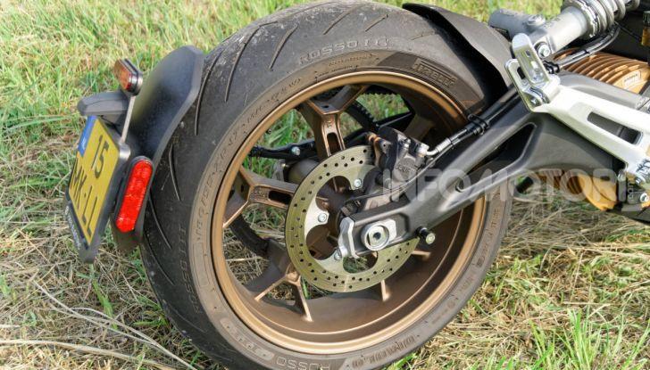 Prova Zero Motorcycles SR/F, l'elettrica di nuova generazione - Foto 42 di 58