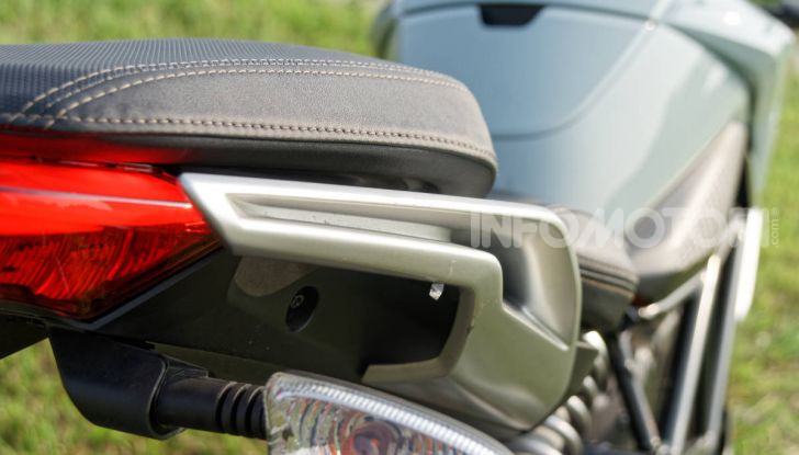 Prova Zero Motorcycles SR/F, l'elettrica di nuova generazione - Foto 45 di 58