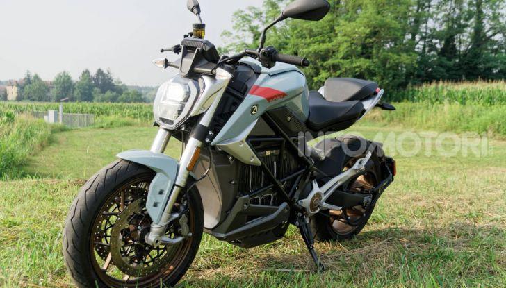 Prova Zero Motorcycles SR/F, l'elettrica di nuova generazione - Foto 48 di 58