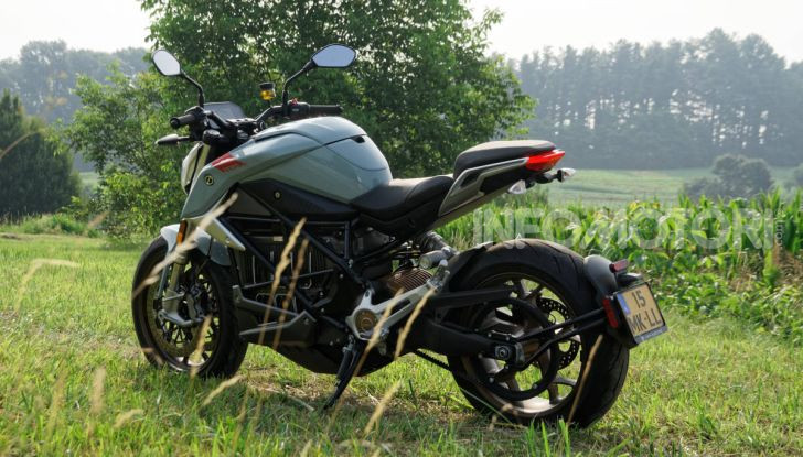 Prova Zero Motorcycles SR/F, l'elettrica di nuova generazione - Foto 50 di 58