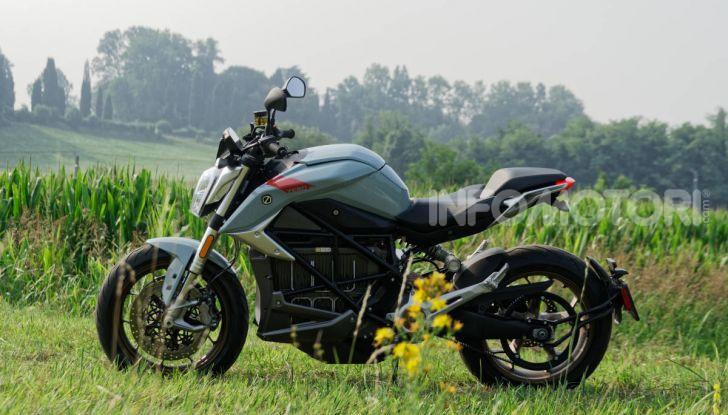 Prova Zero Motorcycles SR/F, l'elettrica di nuova generazione - Foto 51 di 58