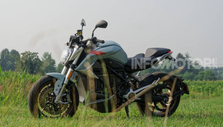 Prova Zero Motorcycles SR/F, l'elettrica di nuova generazione - Foto 52 di 58