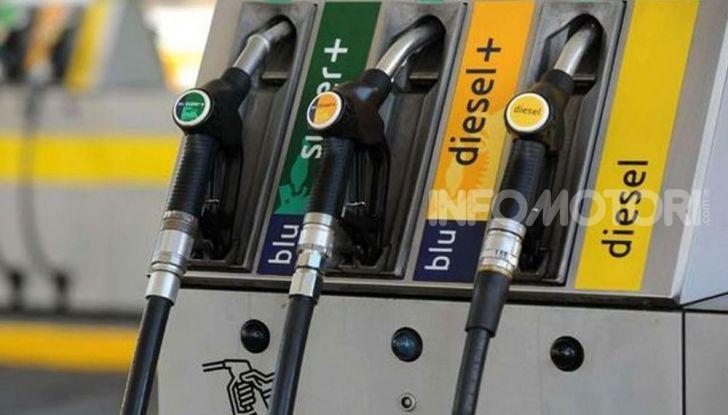 Benzina nel motore diesel: cosa fare per rimediare e quali sono le conseguenze? - Foto 9 di 10