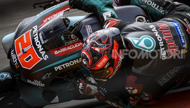 MotoGP 2019 GP di Germania: Marquez sale in cattedra e centra la pole position al Sachsenring. Fuori dai primi dieci Rossi e le Ducati ufficiali - Foto 5 di 12