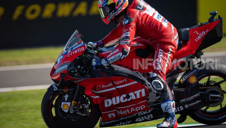 MotoGP 2019, GP di Gran Bretagna: Rins vince a Silverstone una gara al fotofinish, Dovizioso a terra - Foto 13 di 19