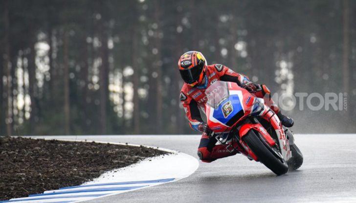 MotoGP 2019: Bradley Smith e l'Aprilia al top nella due giorni di test sul KymiRing - Foto 9 di 11