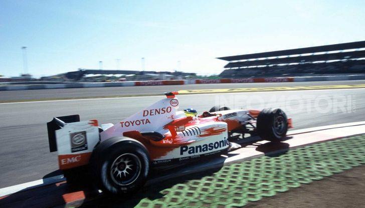 F1: i piloti più famosi licenziati a stagione in corso - Foto 10 di 16